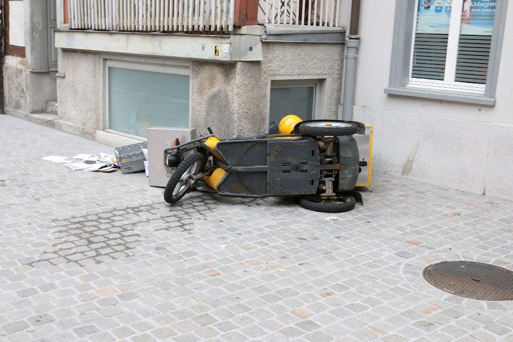 Alkoholisierter mit gestohlenem Kleinmotorrad verunfallt
