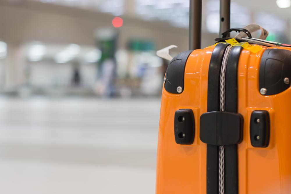 Mit dem passenden Koffer auf Reisen (Bild: smolaw - shutterstock.com)