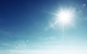 Sonniges und sehr warmes Spätsommerwetter