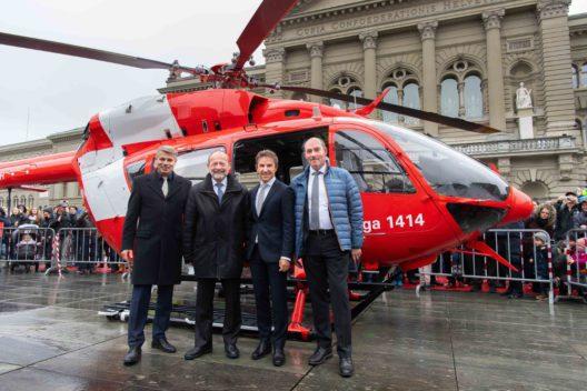 v. l. n. r. Christoph Ammann (Regierungsrat Kt. Bern), Dominique de Buman (Nationalratspräsident), Ernst Kohler (Rega-CEO), Jürg Iseli (Grossratspräsident Kt. Bern)