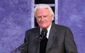 Bibel TV zeigt Porträt des Predigers Billy Graham und ein Ehe-Drama
