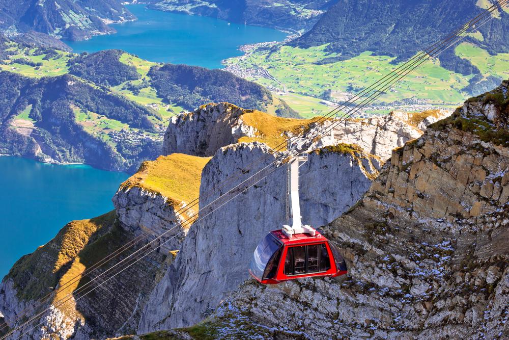 Mit der Luftseilbahn auf den Pilatus (Bild: xbrchx - shutterstock.com)