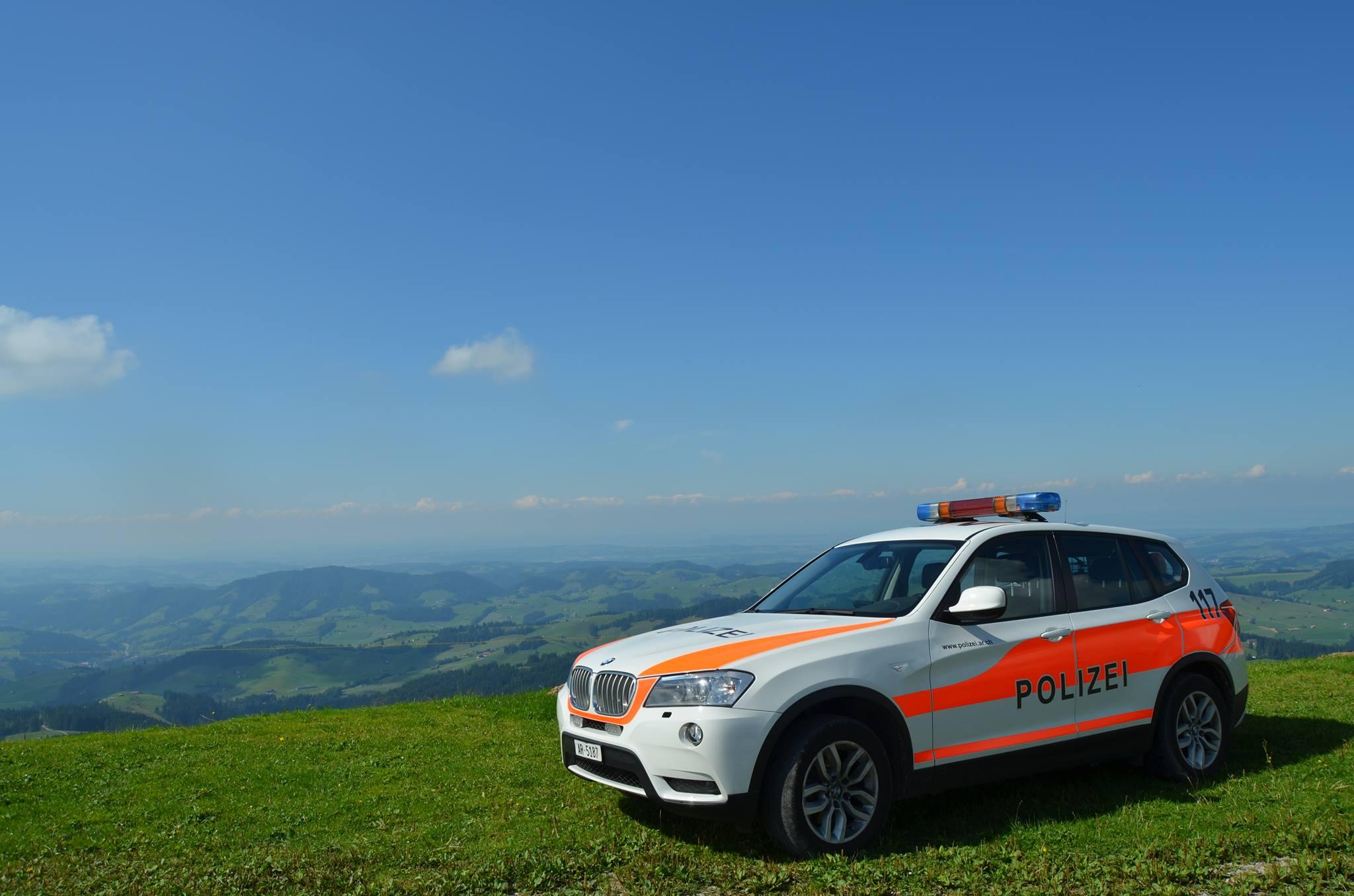 """Die Polizei Appenzell Ausserrhoden bezeichnet die Regional- und Verkehrspolizei selbst als """"Feuerwehr"""", da die Mitarbeiterinnen und Mitarbeiter überall dort zur Stelle sind, wo eine schnelle Unterstützung gefragt ist. (Bildquelle: Kapo Appenzell-Ausserrhoden)"""