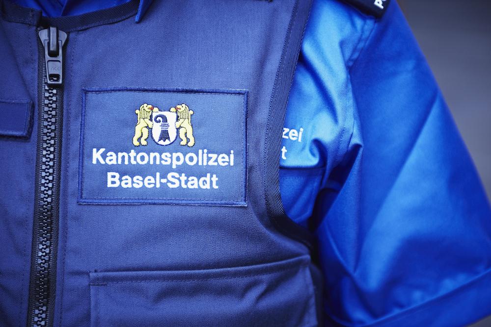700 uniformierte Bedienstete arbeiten für die Baseler Polizei. Dazu kommen weitere 300 Mitarbeiterinnen und Mitarbeiter, die sich um verschiedene Tätigkeiten im Innenbetrieb kümmern. (Bildquelle: Kapo Basel-Stadt)