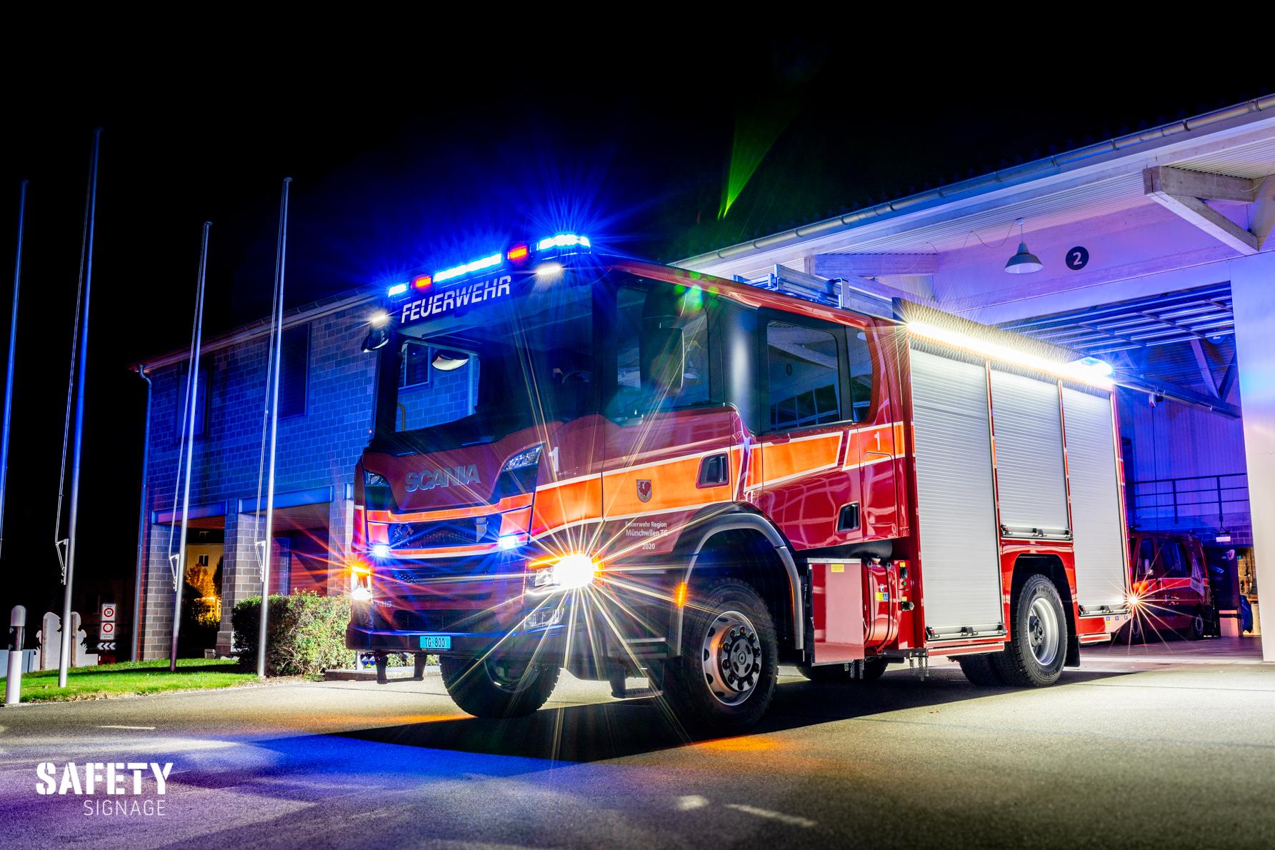 TLF - Tanklöschfahrzeug Feuerwehr Region Münchwilen Highly Reflective