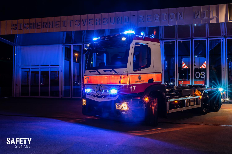LOG | Logistikfahrzeug WELAB Sicherheitsverbund Region Wil Highly Reflective