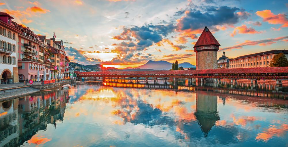 Die Schweiz ist bekannt für hochwertige Waren und Dienstleistungen. (Bild: emperorcosar - shutterstock)