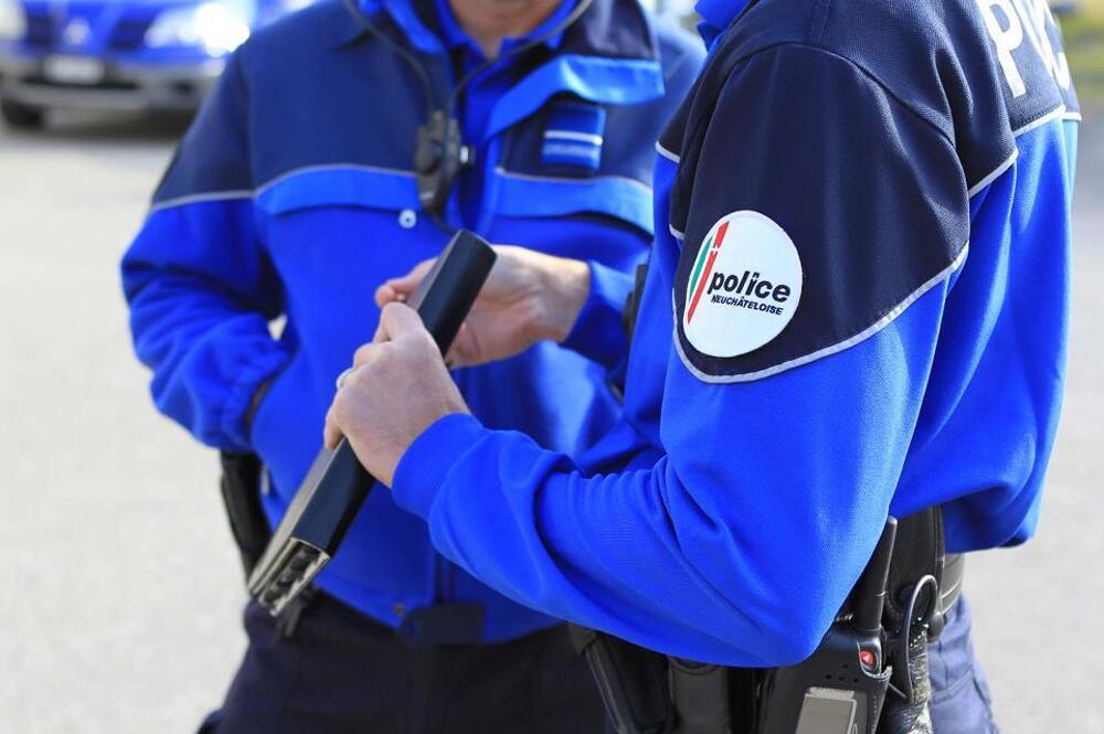 Die Polizei im Kanton Neuenburg setzt sich 24 Stunden am Tag für die Sicherheit der Bevölkerung ein. (Bildquelle: Kapo Neuenburg)