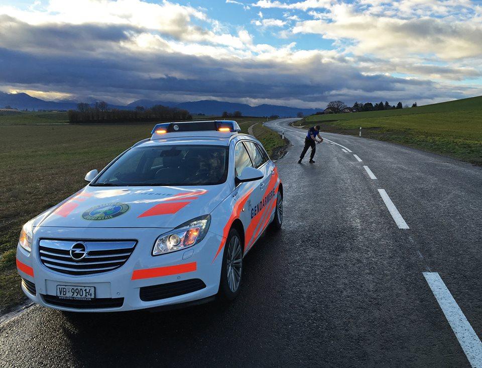 Nach einem Unfall sind die Bediensteten schnell vor Ort und leiten die entsprechenden Massnahmen ein.